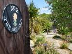 2 The Granary holiday cottage in Brighstone - Garden entrance
