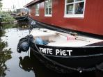 Tante Piet's canal motor boat for rent, a license is not needed and it is easy to do.