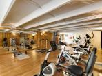 well equipped 100m2 fitness and body building room