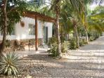 1BD bungalow w/ ocean/lagoon access