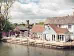 The George at Fordingbridge -just a 5 minute walk away with views of the bridge