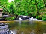 Rutas a pie en el entorno, Ruta de la Piedra y el Agua