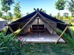 Lounge Tent-Tenda Lounge, external view