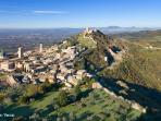 Vista di Assisi dall'alto.