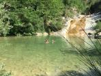 Plunge pool and small lake - 15 mins drive from the apartment
