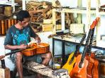 Mactan Island is famous for making guitars
