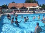piscine exterieure detent , aqua volley