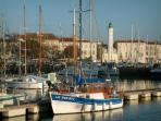 La Rochelle town (50 minutes drive away)