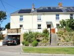 Crantock Corner - Spacious 5 bedroom house with 3 sitting areas and huge garden. Close to beach.