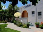 Cathrin Apts & Studios-Hospitality & Serenity