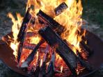 feu possible à l'intérieur et extérieur du tipi 'ginko ou parrotia'. danse de la pluie interdite