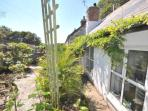 Wild Lily Cottage in Glorious Cornish Sunshine