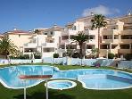 Huge pool, kids pool, spa and loads of sunbeds