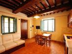 View of the dining area (Lavanda apartment)