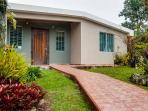 Casa Flor - Mountain Top Garden Home w/Wi-Fi