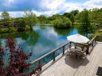 20 luxury lodges surround the lake