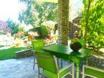 überdachter Gartensitzplatz