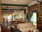 Sala de jogos, bilhar e bar