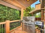 Propane grill on rear deck