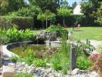 Le parc du Logis de Chalons et son bassin