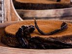 Regional locust bean cakes