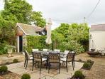 Charming private Courtyard Garden