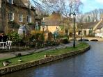 The River Windrush in Bourton