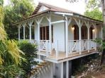 Garden Cottage: Architect designed for a nostalgic setting in maximum comfort and privacy
