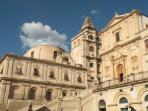 Noto- Chiesa immacolata e campanile SS. Salvatore