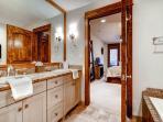 Blue Sky Master Bathroom Breckenridge Lodging Vacation Rentals