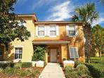 Minutes to Disney, Beautiful 3BR Townhome in EMERALD ISLAND Resort