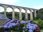 Le viaduc de Fermanville (4,5 km) parcours promenade sur le pont depuis le vallée des moulins