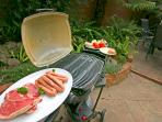 Weber BBQ - with gas bottle - easy to use and even portable