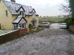 Malvern cottage rental - Showing proximity to river & car parking spaces