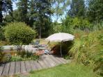 - Et mon endroit favoris : le lavoir restauré, terrasse en bois ensoleillée ...