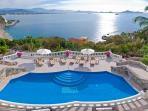 Fully staffed Luxury Villa with incredible views!