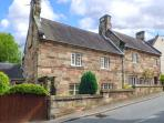 ASH HOUSE, semi-detached, Grade II listed, woodburners, WiFi, enclosed patio, in Alton, Ref 922587