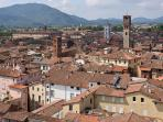 Lucca le 100 chiese, a 15 Km.