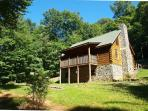 Beautiful Log Cabin with WiFi, Fire Pit and Close to the New River!