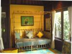 Bungalow Bunga Kecil bamboo single bed
