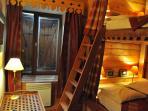 Chambre avec 2 lits superposés en 140cm