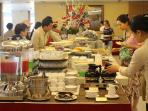 Hotel restaurant with buffet for breakfast and set menu for lunch and dinner