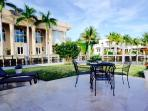 200 ft water front, luxury, walk to beach, pool