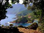Girolata vue du chemin de randonnée 'Mare et Monti'