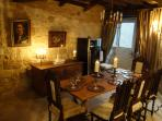 Issigeac - Maison de la Paix - 13th century medieval villa. Character dining with wine somelier.