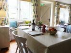 Slad cottage rental - Dining