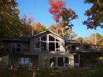 Luxury Haliburton lakeside cottage with hot tub