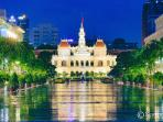 City town hall at end of Nguyen Hue square / boulevard - only 1500 m away from building