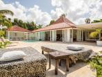 balinese large sun beds