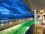 Large private infinity pool parallel to the stunning Lipa-Noi beach